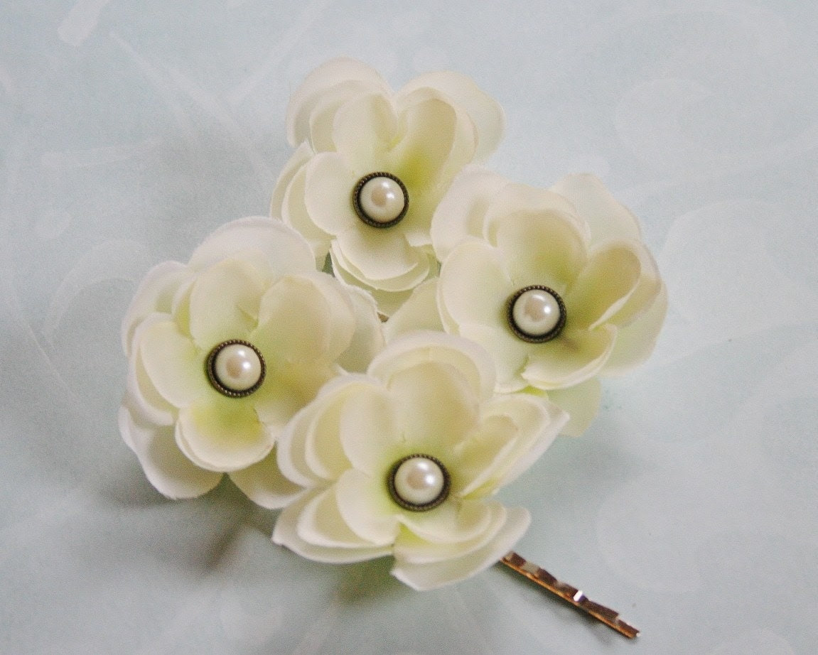 Pearl Bridal Fashion Flower Hairpins Set of 4 in ivory for bride,bridesmaids,flowergirl,teen,girl,women