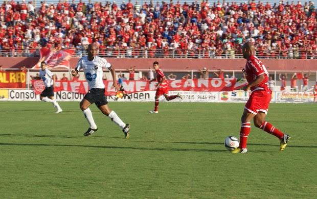 América-RN vence o ABC no primeiro Clássico Rei do Campeonato Potiguar 2013 (Foto: Augusto Gomes)