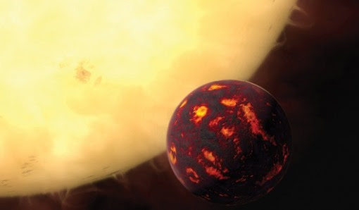 issue10-artist-s-impression-of-the-super-Earth-55-Cancri-e-in-front