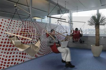 Na Google os funcionários trabalham em um ambiente assim...