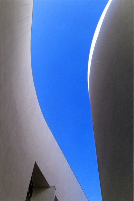 curved architecture