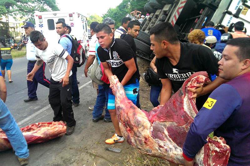 saquean-carne-camion