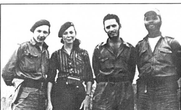 Professores-políticos dos professores Tropa.  Da esquerda Raul Castro, Vilma Espin, José Jorge Risquet e Nivaldo Causse.  Foto: Cortesia de Asela de los Santos / Juventud Rebelde
