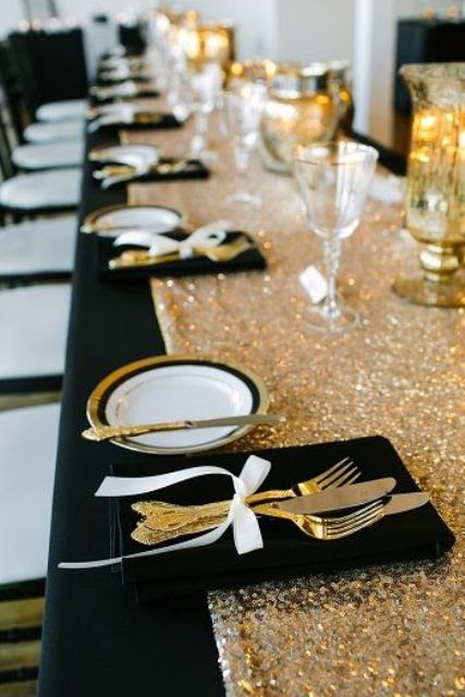 eine funkelnde Silber-Pailletten Tischläufer für Silvester oder eine glam-Hochzeit