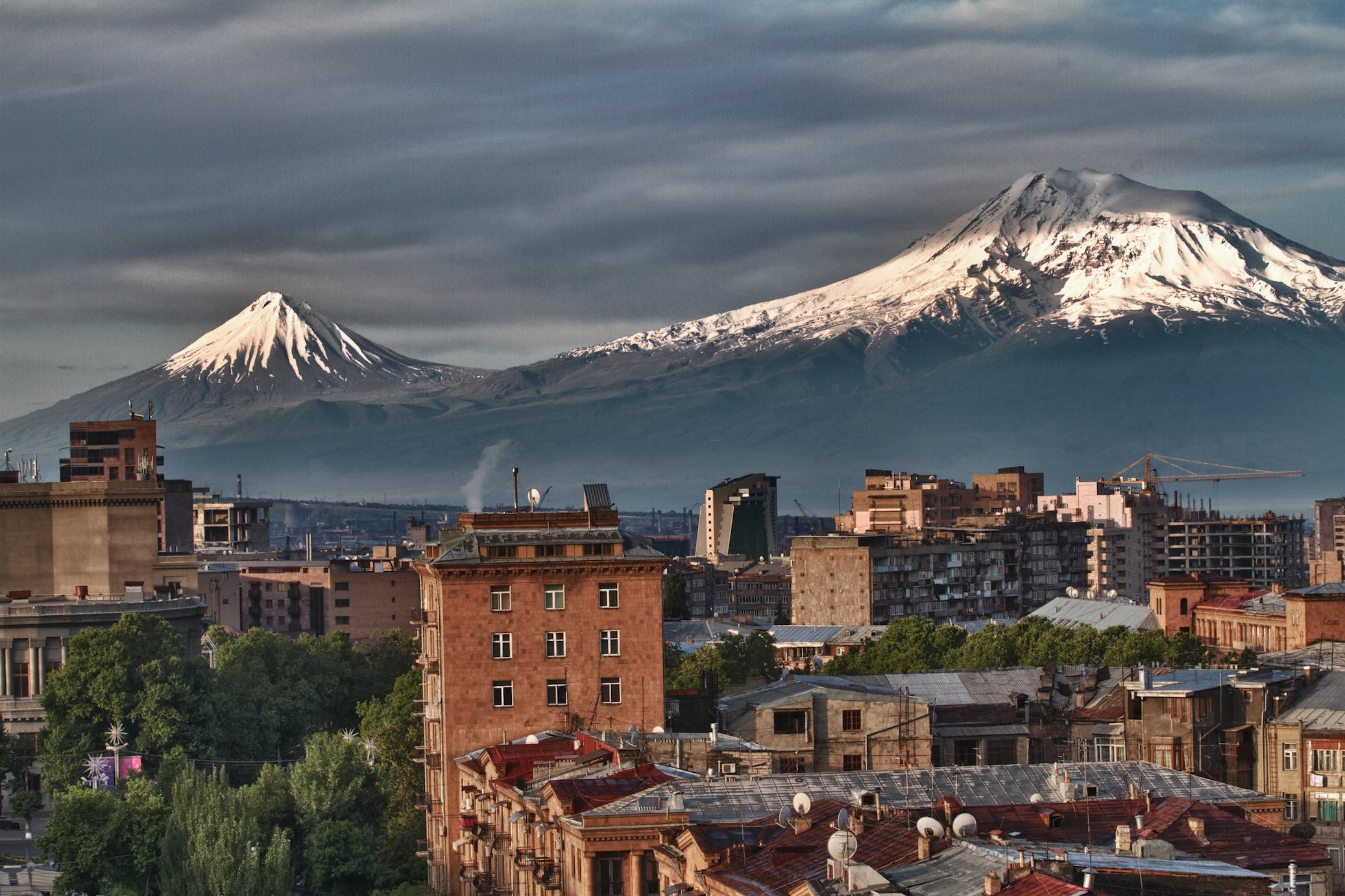 http://barevarmenia.com/travelblog/wp-content/uploads/2012/04/Mount-Ararat-Yerevan-Cascade.jpg