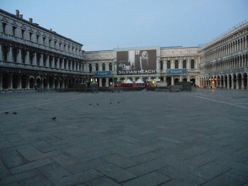 DSCN1796 _ Piazza San Marco, 14 October