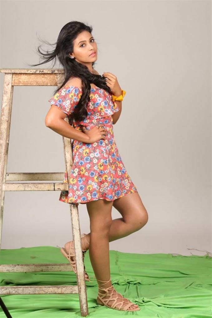 Telugu actress Lissa Photos download wallpapers