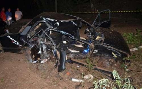 Dois morrem e um fica em estado grave em acidente
