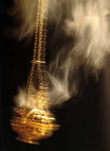 Censing-incense-with-thurible[1]