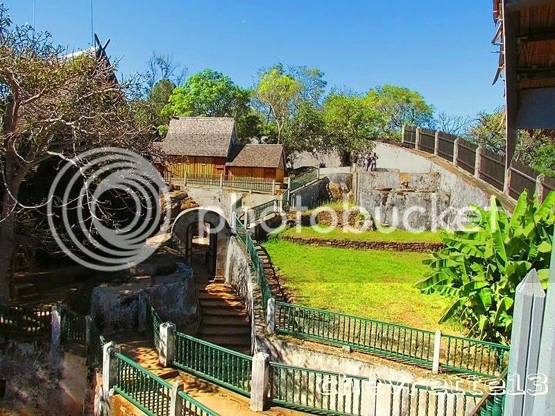 http://i1252.photobucket.com/albums/hh578/chevrette13/Madagascar/IMG_2458Copier_zps02575479.jpg