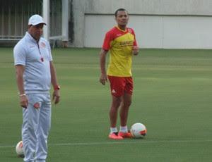 Roberto Fernandes Léo gago américa-rn (Foto: Alexandre Filho/GloboEsporte.com)