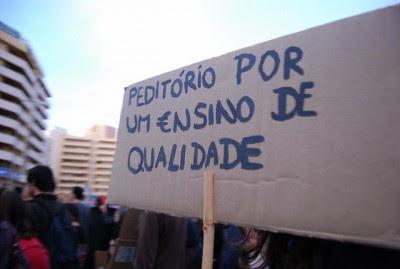 """""""É muito difícil viver o presente e quase impossível planear o futuro"""", diz o Presidente do Conselho de Reitores (CRUP), António Rendas. Foto de Paulete Matos."""