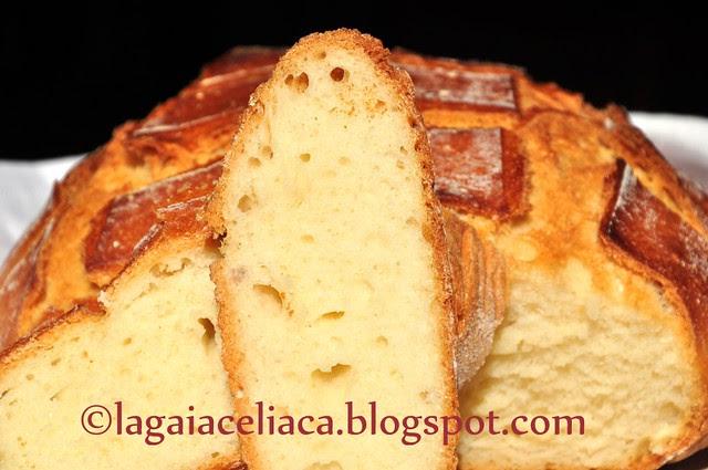 pane con lievito madre cotto nella pentola, la fetta