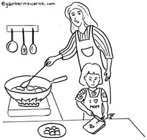 gambar membantu ibu memasak  mewarnai gambar mewarnai