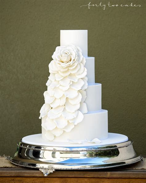 Wedding Cake Trends   Cakes, Favours & Guest Books