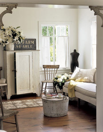 Shabby chic - Love this room, despite the rampant white that I would so easily ruin.