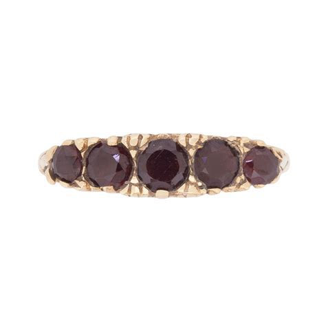 Vintage Garnet Five Stone Carved Shank Ring, c.1970s