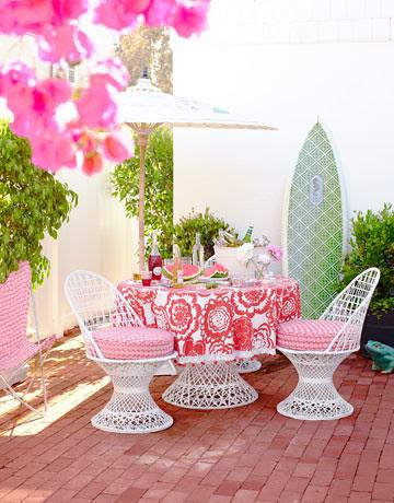 hbx-outside-table-patio-0710-ewart-16-de