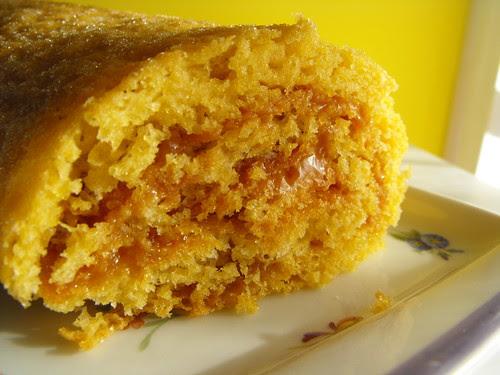 Torta com recheio de leite condensado