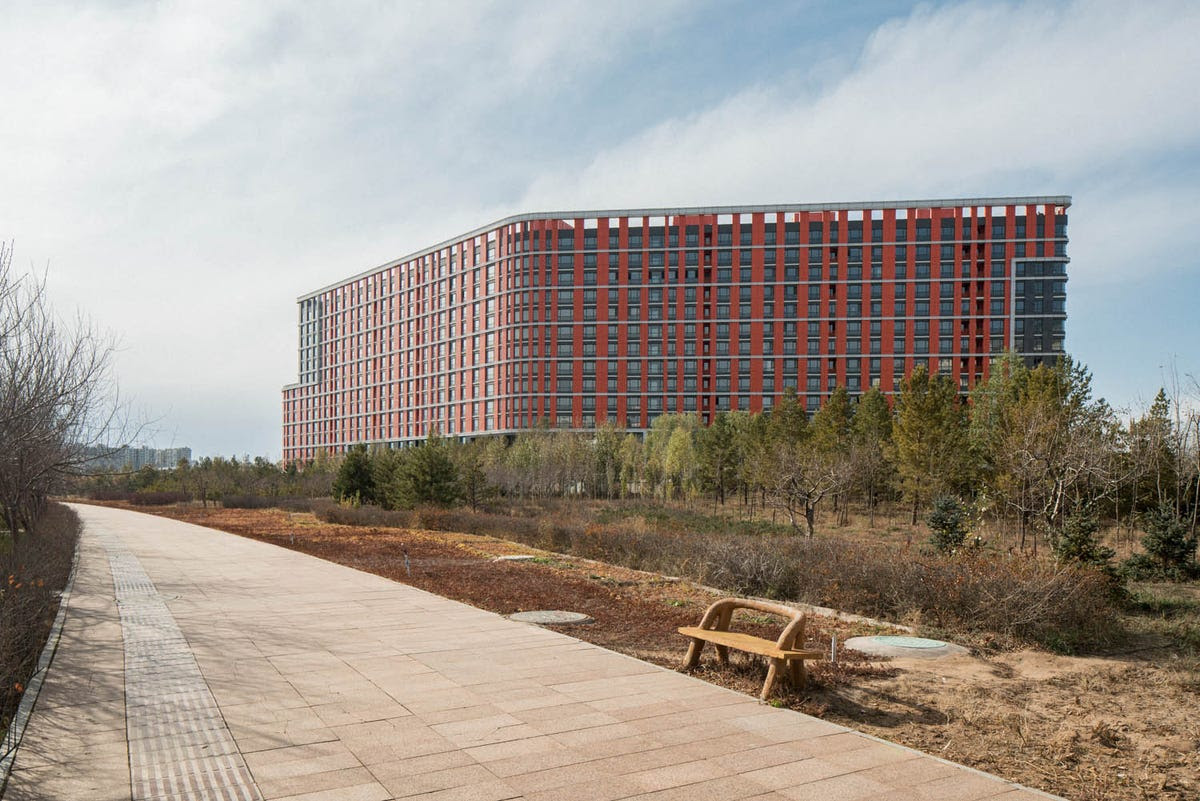High schools with good reputations were moved to Ordos as well. Empty apartment buildings were converted into dormitories that now house students.