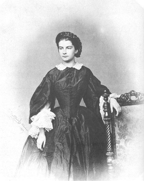 File:Marie in Bayern, Königin von Neapel.jpg