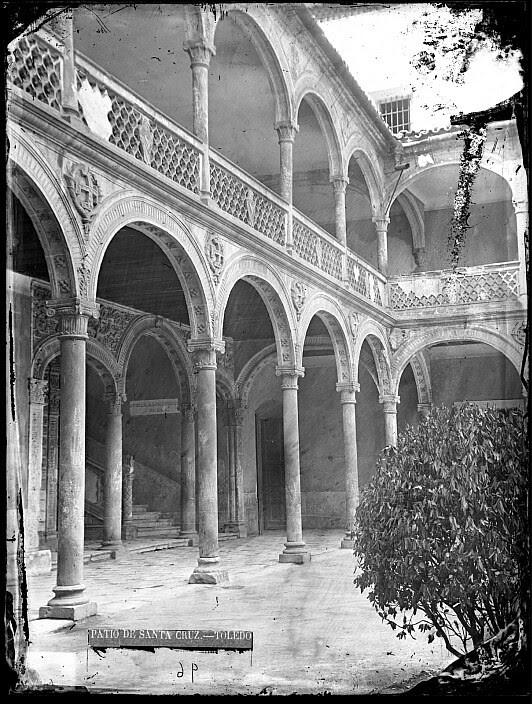 Hospital de Santa Cruz en el siglo XIX. Fotografía de Casiano Alguacil. Ayuntamiento de Toledo