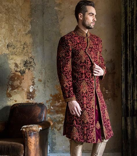 HEAVY MAROON SHERWANI    Indian Men's Fashion   Weddi
