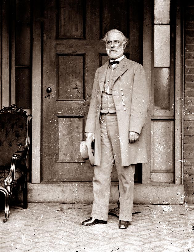http://www.sonofthesouth.net/leefoundation/robert-e-lee-pictures/general-lee-portrait.jpg