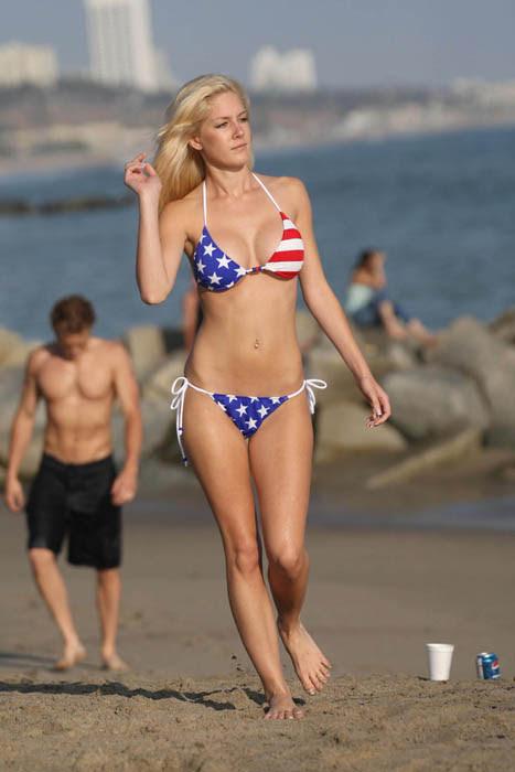 hot Heidi montag bikini pic