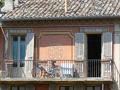 façade ocre sospel.jpg