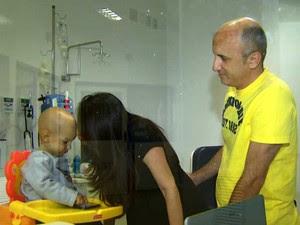 Bebê de 1 ano com leucemia tem três doadores compatíveis para transplante, mas nenhum deles se apresentou para exames (Foto: Sávio Monteiro/EPTV)