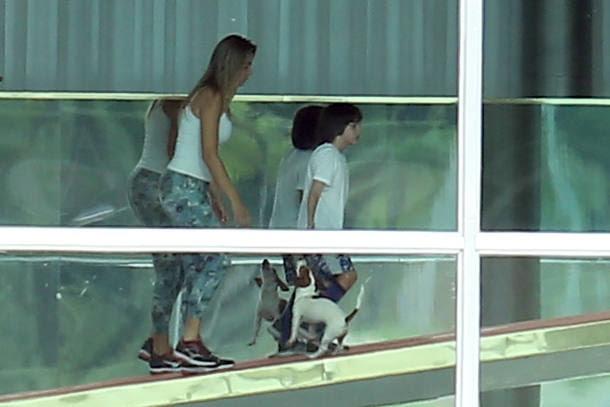 Temer recebe ministros, e Marcela brinca com filho em 1º dia no Alvorada