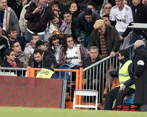 """Mourinho, expulsado ante el Murcia por decirle al árbitro """"vete a la mierda"""""""