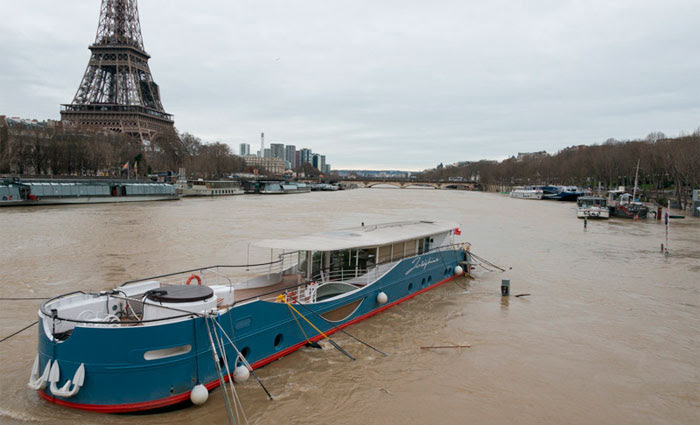 Os barcos que cruzam o Sena e os canais do nordeste de Paris estão paralisados. Foto: Francois Grunberg/Marie de Paris