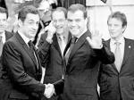 Nicolas Sarkozy w obecności prezydenta Rosji Dmitrija Miedwiediewa zaapelował do Baracka Obamy, żeby zrezygnował z tarczy. Zdjęcie ze szczytu UE-Rosja w Nicei w listopadzie 2008 r.