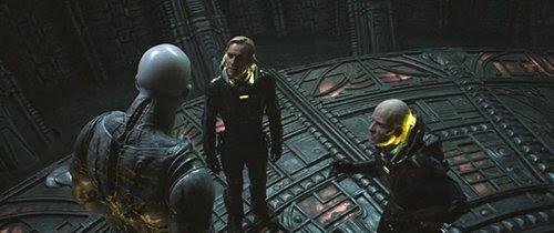 """A equipe finalmente encontra um de seus """"engenheiros"""", um alienígena gigante. Infelizmente, o estrangeiro não tinha vontade de discutir."""