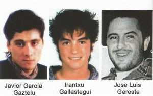 Los tres terroristas que secuestraron y, 48 horas después, asesinaron al indefenso concejal: Txapote, Amaia y Oker. Los dos primeros, pareja, han tenido dos hijos. El tercero apareció muerto unos años después.