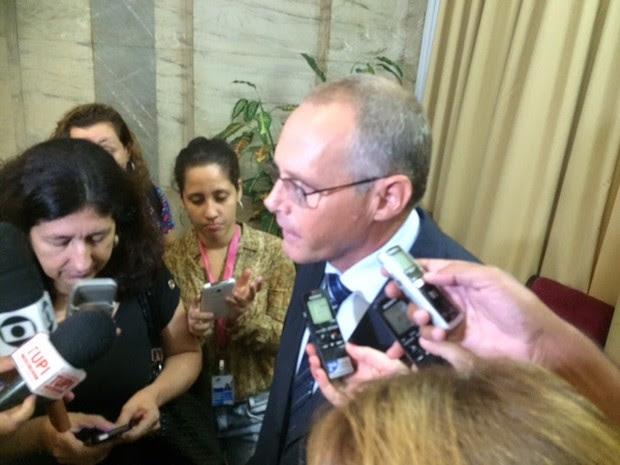 Beltrame afirmou que UPPs reduziram índices de criminalidade (Foto: Gabriel Barreira/ TV Globo)