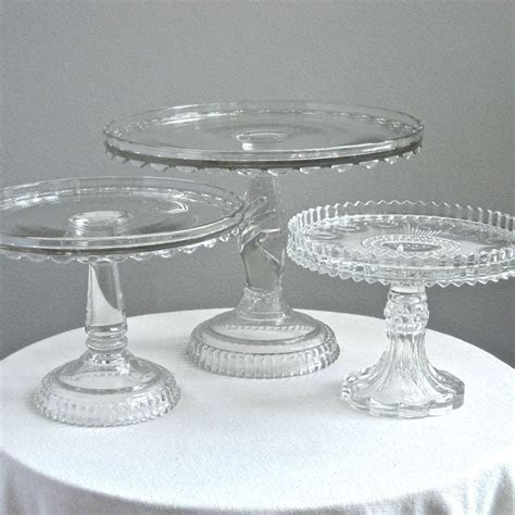 Discount Wedding Cake Stands   Wedding and Bridal Inspiration