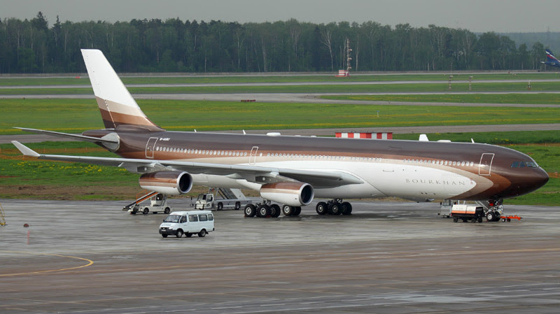 2. Airbus A340-300 (Alisher Usmanov) - $ 350 million. Businessmen billionaires, aircraft, private planes