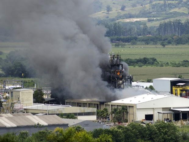 Monsanto incêndio São José dos Campos (Foto: Helton Meschine Costa/VC no G1)