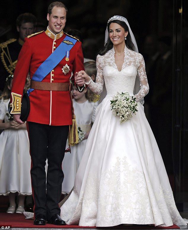 Vestido de casamento do ano: A Duke muito feliz olhando e Duquesa de Cambridge deixar a Abadia de Westminster depois de dizer seus votos