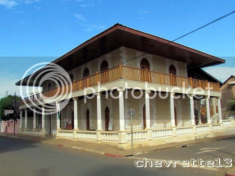 http://i1252.photobucket.com/albums/hh578/chevrette13/Madagascar/IMG_2382Copier_zpsac557328.jpg