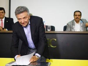 Decreto de desapropriação foi assinado pelo prefeito José Queiroz. (Foto: Renand Zovka/ Ascom PMC)
