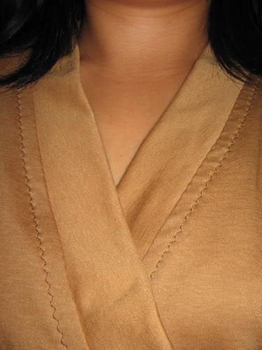 Kimono top neckband detail