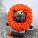 Come fare un pupazzo leone da riciclo calzini 2