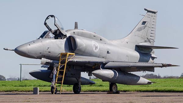 Los A4-AR Fightinghawk serán desprogramados en 2018 (Airliners.net)