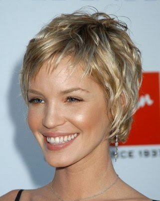 short curly hairstyles for women over 40. short hair styles for women