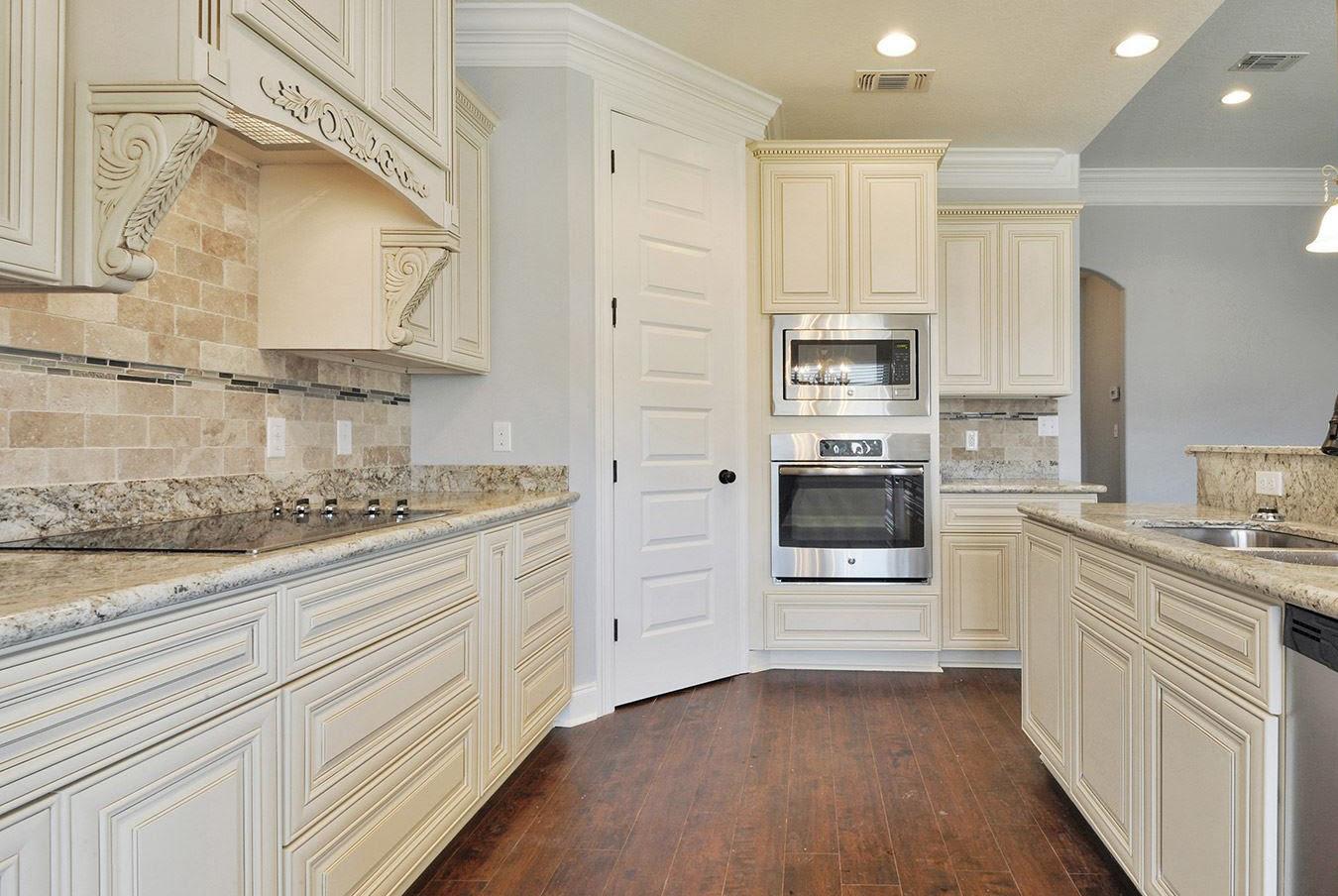 Monroe Cream Glaze Cabinets   Modern Home Concepts