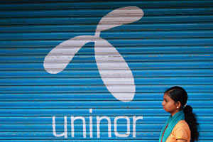 Fate of Uninor substribers hangs in balance, boon for Airtel and Vodafone
